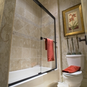 bathrom-with-slider-shower