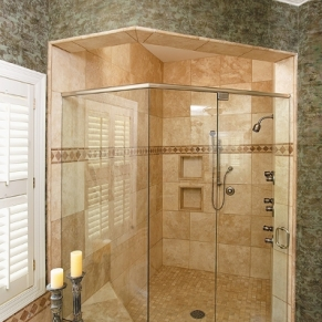 house-with-frameless-shower